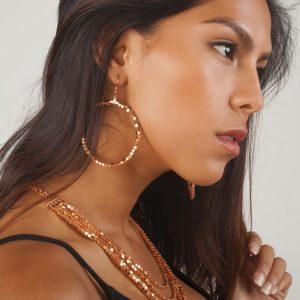 E50561.50 Boucles d'oreilles dorées à l'or rose 24 carats grand cercle en perle