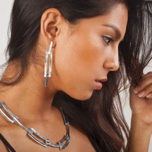 E19000.20 Boucles d'oreilles argentées au 925 sterling avec pendentif texturé
