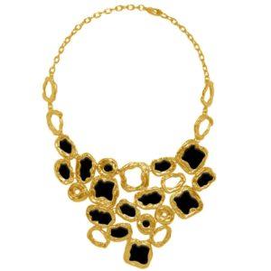 N53017.13 - Collier doré à l'or fin 24 carats avec cercles et disques noir de forme irrégulière.