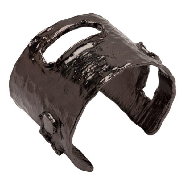 B09846.70 Bracelet martelé en étain couleur hématite