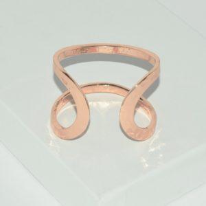 R80098.50 - Bague artistique dorée rose style manchette
